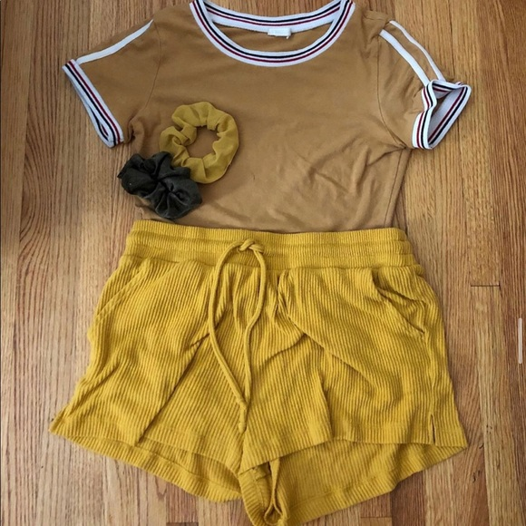 Other - Yellow outfit